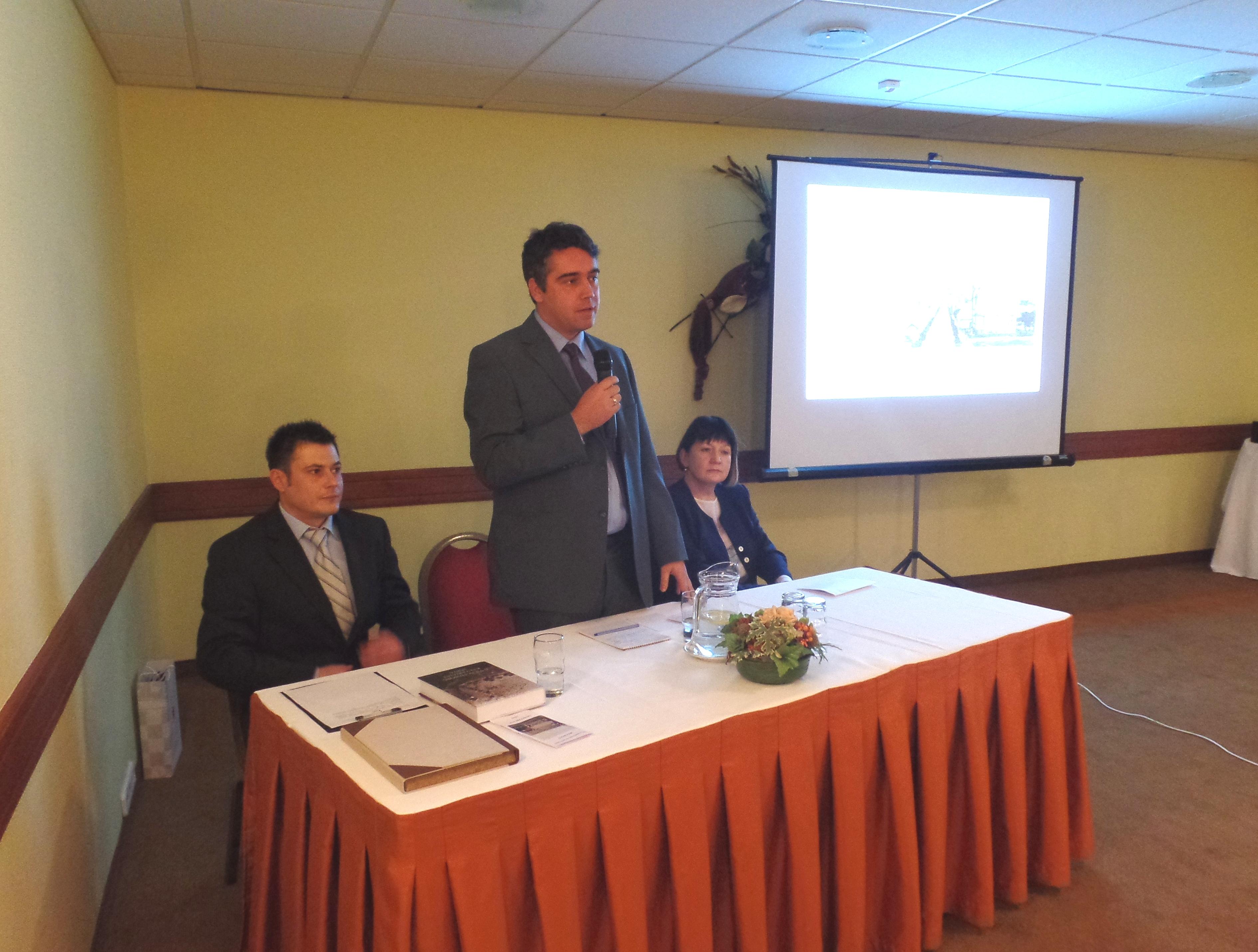 Dr. Csibi Norbert egyetemi adjunktus (Pécsi Tudományegyetem BTK TTI) levezető elnök