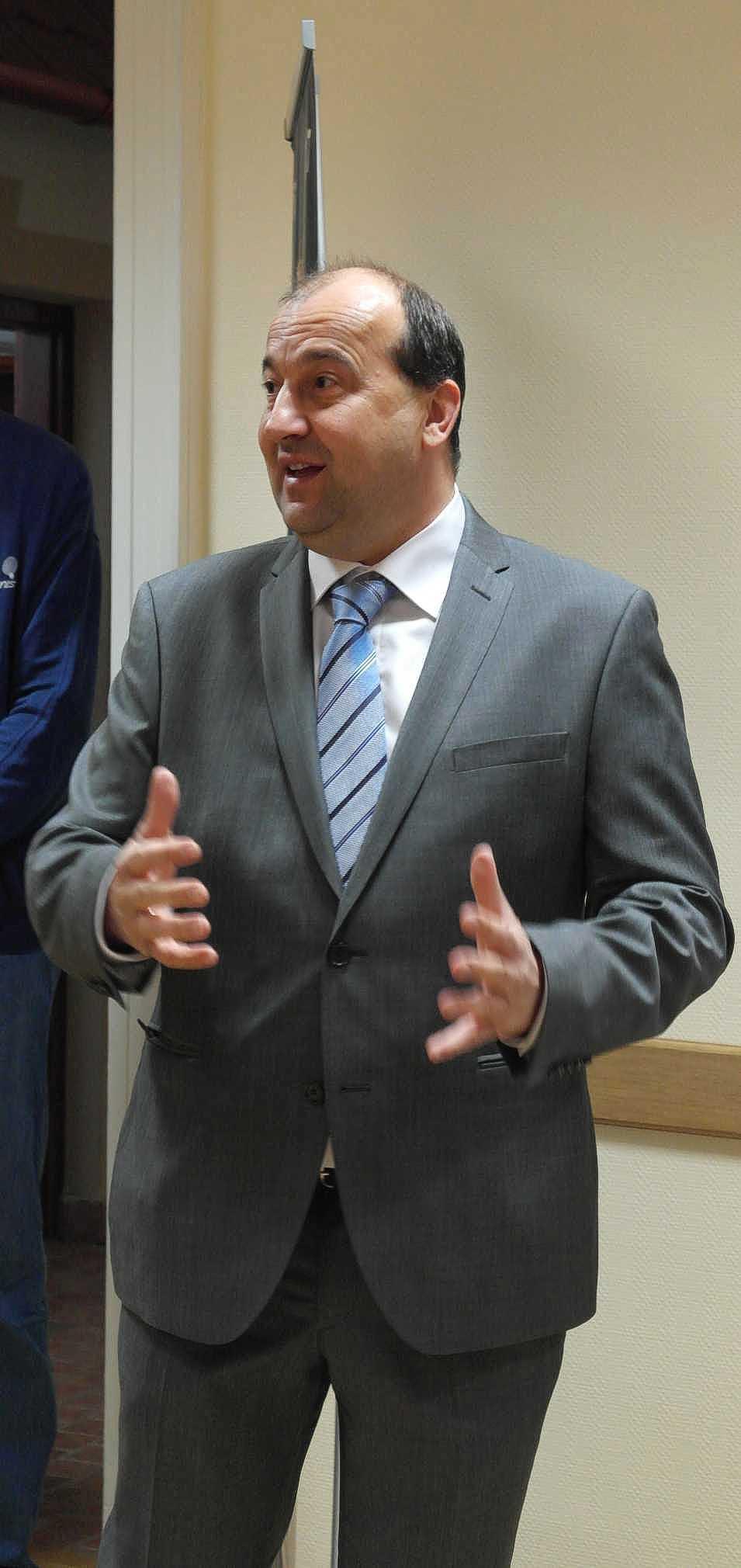 Dr. Molnár Attila, Komárom Város polgármestere