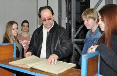 Levéltárunkba látogattak a Szolnoki Műszaki Szakképzési Centrum Jendrassik György Gépipari Szakgimnáziumának tanulói