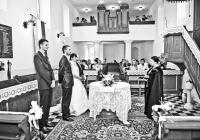 Esküvő a templomban