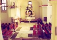 A középkori templom maradványai a templom belső terében
