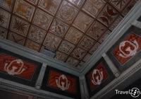 Gyügyei Református Templom belső tere - a mennyezet a karzattal