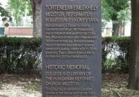 Történelmi emlékhely sztélé