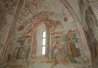 A szentély keleti falának falképei