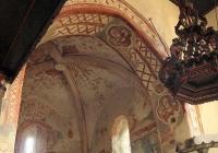 A diadalív és a szentély falképei