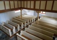 Segesdi Református Templom - padok a felújítás után