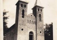 Korabeli kép a még félkész templomról