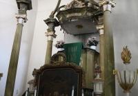 A baldachinos oltár