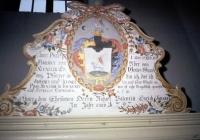 A papi pad tetején a Szeniczey Bárány család címere