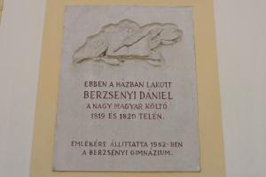 Berzsenyi Dániel emléktáblája Sopron Pócsi u. 12