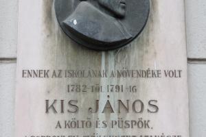 Kis János emléktábla Sopron Széchenyi tér 11
