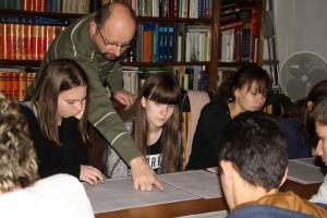 Megkezdődtek a reformációs levéltár-pedagógiai foglalkozások az MNL Tolna Megyei Levéltárában
