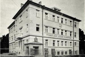 Evangélikus diákjóléti intézmények Sopronban a két világháború között.