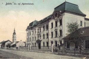 A gimnázium épülete ( Mucsi András archívumából )