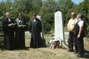 Síremlékének megkoszorúzása halálának 250. évfordulóján
