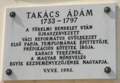 Takács Ádám emléktáblája a lelkészlak falán
