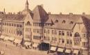 A Luther-palota egy régi képeslapon az eredeti tetőzetével