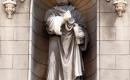 A homlokzat Luther szobra