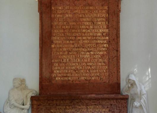 A gróf Teleki család sziráki sírboltja